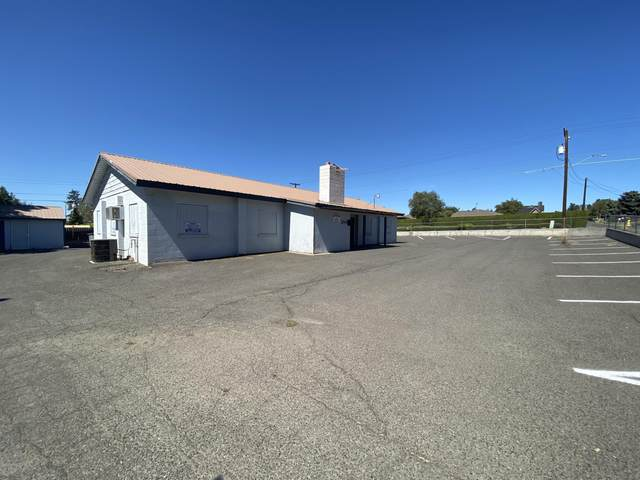 204 S 46th Ave, Yakima, WA 98908 (MLS #20-1808) :: Heritage Moultray Real Estate Services