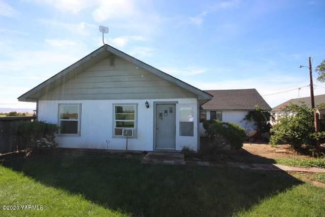 1660 Higgins Ln, Wapato, WA 98951 (MLS #20-1893) :: Joanne Melton Real Estate Team