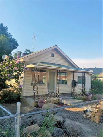 307 N Beech St, Toppenish, WA 98948 (MLS #20-1937) :: Heritage Moultray Real Estate Services
