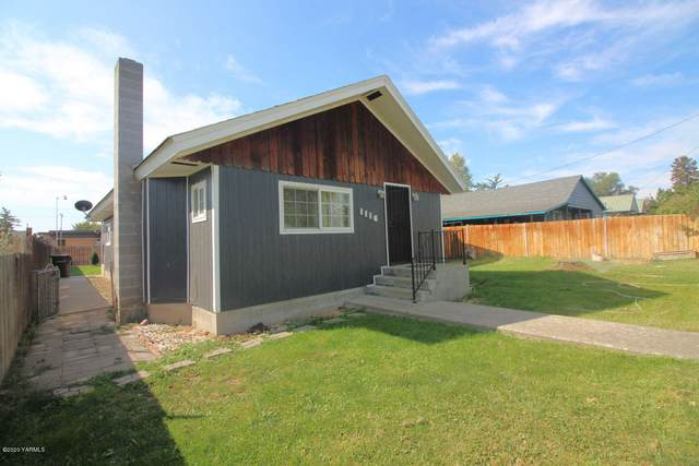 1116 Swan Ave, Yakima, WA 98902 (MLS #20-1946) :: Heritage Moultray Real Estate Services