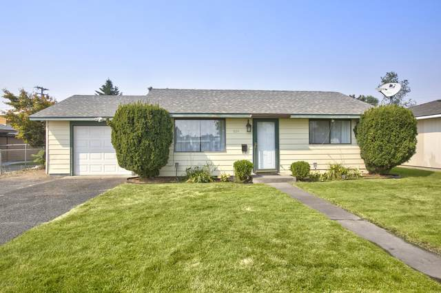 1014 S 5th Ave, Yakima, WA 98902 (MLS #20-1976) :: Heritage Moultray Real Estate Services