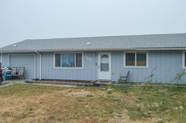 1502 Walnut St, Zillah, WA 98953 (MLS #20-2058) :: Amy Maib - Yakima's Rescue Realtor