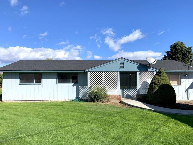 7803 Occidental Rd, Yakima, WA 98903 (MLS #20-2121) :: Heritage Moultray Real Estate Services