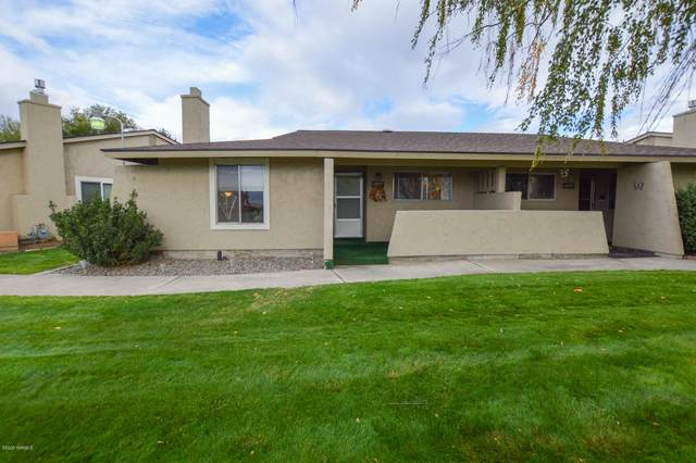 4907 Englewood Ave, Yakima, WA 98908 (MLS #20-2126) :: Heritage Moultray Real Estate Services