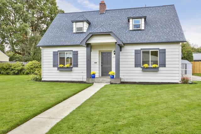 2904 Canterbury Ln, Yakima, WA 98902 (MLS #20-2131) :: Heritage Moultray Real Estate Services