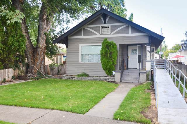 707 N 2nd St, Yakima, WA 98901 (MLS #20-2135) :: Amy Maib - Yakima's Rescue Realtor