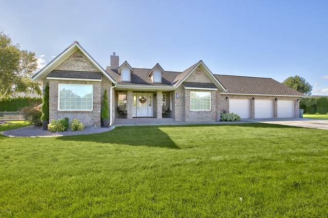 8216 Midvale Rd, Yakima, WA 98908 (MLS #20-2136) :: Heritage Moultray Real Estate Services