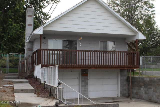 205 W Edison Ave, Sunnyside, WA 98944 (MLS #20-2149) :: Heritage Moultray Real Estate Services