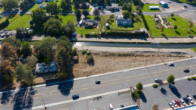 4365 W Van Giesen St, West Richland, WA 99353 (MLS #20-2269) :: Heritage Moultray Real Estate Services