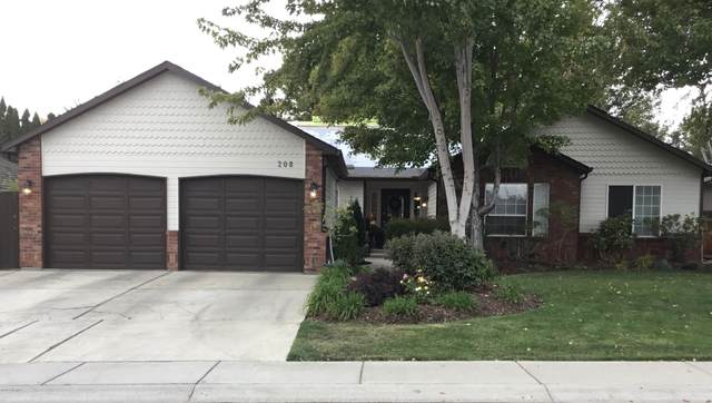 208 S 70th Ave, Yakima, WA 98908 (MLS #20-2299) :: Heritage Moultray Real Estate Services