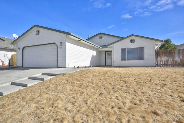 701 N Mount Aix Way, Yakima, WA 98901 (MLS #20-2359) :: Heritage Moultray Real Estate Services