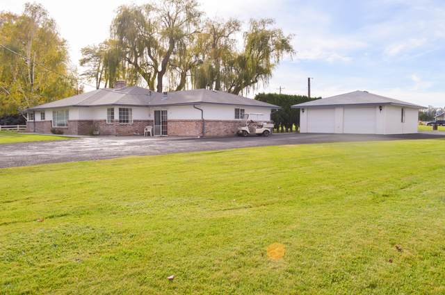 3512 S Wiley Rd, Yakima, WA 98903 (MLS #20-2381) :: Heritage Moultray Real Estate Services