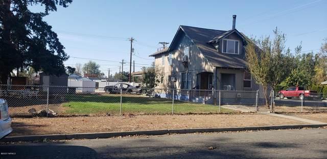 317 N E St, Toppenish, WA 98948 (MLS #20-2414) :: Amy Maib - Yakima's Rescue Realtor