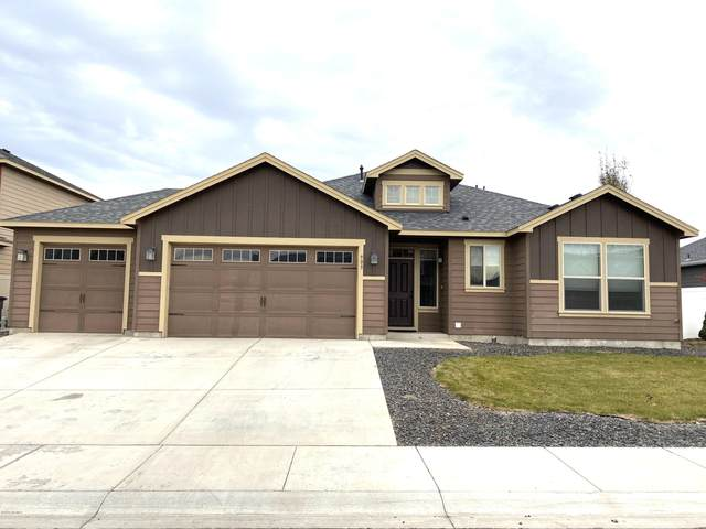 903 Crystal Ave, Moxee, WA 98936 (MLS #20-2500) :: Joanne Melton Real Estate Team