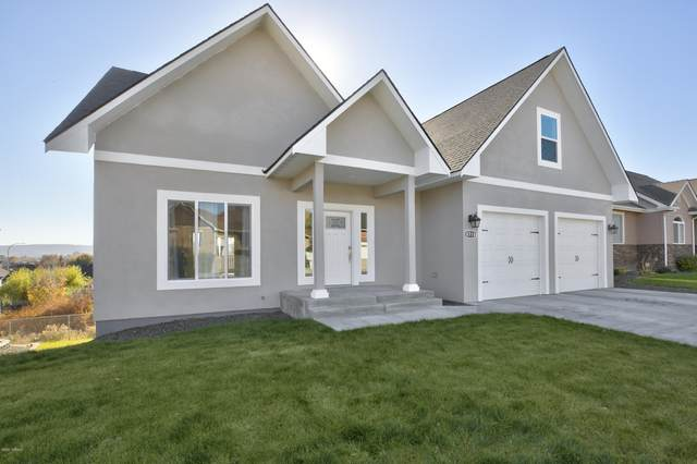 8710 Maclaren Ave, Yakima, WA 98908 (MLS #20-2551) :: Heritage Moultray Real Estate Services