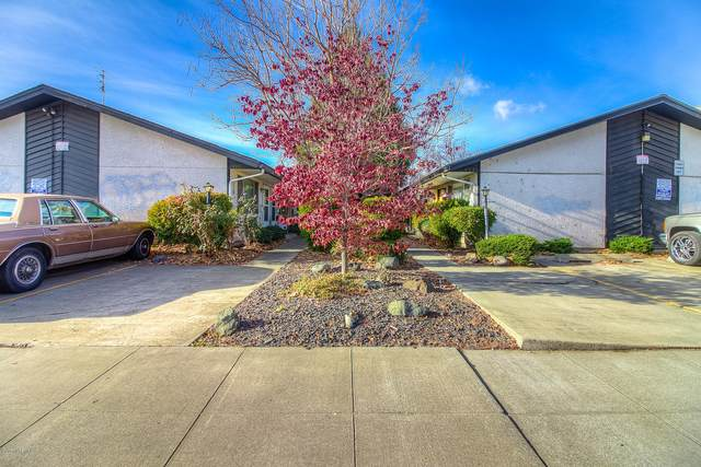 404 S 9th Ave, Yakima, WA 98902 (MLS #20-2612) :: Heritage Moultray Real Estate Services