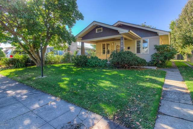 814 S 4th Ave, Yakima, WA 98902 (MLS #20-2638) :: Heritage Moultray Real Estate Services