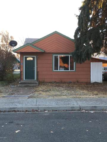 208 W 4th St, Naches, WA 98937 (MLS #20-2666) :: Heritage Moultray Real Estate Services