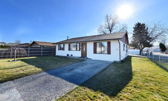 400 E Moxee Ave, Yakima, WA 98936 (MLS #20-267) :: Heritage Moultray Real Estate Services