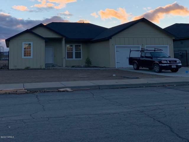 1001 Jefferson Ave, Toppenish, WA 98948 (MLS #20-2712) :: Joanne Melton Real Estate Team