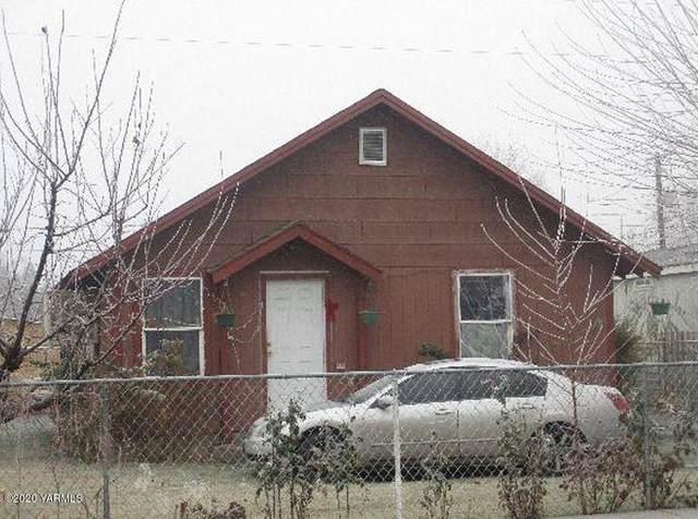 113 W Elizabeth St, Wapato, WA 98951 (MLS #20-2713) :: Joanne Melton Real Estate Team