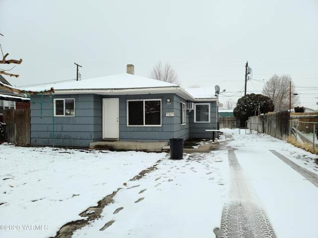 607 S Naches Ave, Wapato, WA 98951 (MLS #20-2839) :: Heritage Moultray Real Estate Services