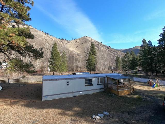 7041 State Route 410, Naches, WA 98937 (MLS #20-433) :: The Lanette Headley Home Group