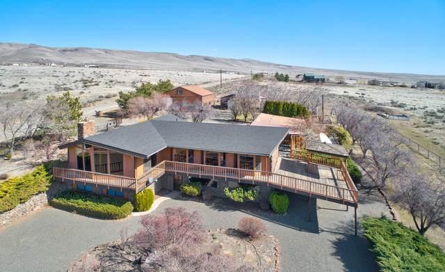 10300 Roza Hill Dr, Yakima, WA 98901 (MLS #20-601) :: Joanne Melton Real Estate Team