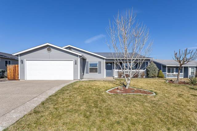 2210 S 67th Ave, Yakima, WA 98903 (MLS #20-603) :: Heritage Moultray Real Estate Services