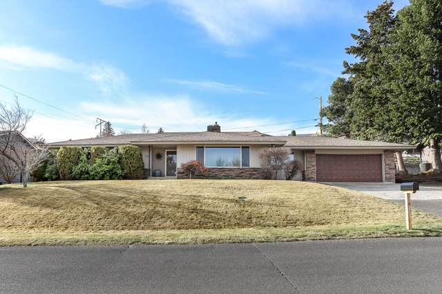 1004 W 1st Ave, Selah, WA 98942 (MLS #20-646) :: The Lanette Headley Home Group