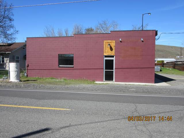 2003 W J St, Yakima, WA 98902 (MLS #20-671) :: Heritage Moultray Real Estate Services