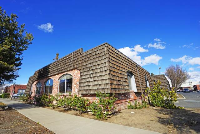 7 S 10th Ave, Yakima, WA 98902 (MLS #20-745) :: Heritage Moultray Real Estate Services