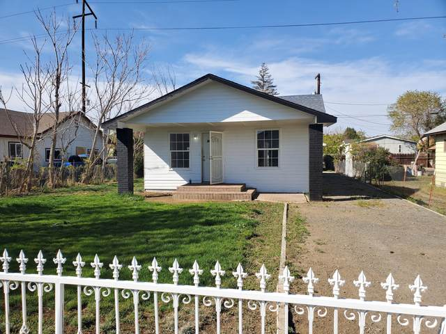 118 W C St, Wapato, WA 98951 (MLS #20-786) :: Heritage Moultray Real Estate Services