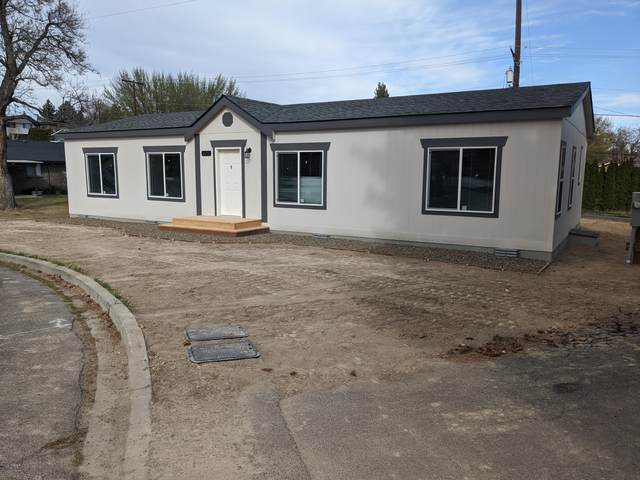 207 N 67th Pl, Yakima, WA 98908 (MLS #20-801) :: Heritage Moultray Real Estate Services