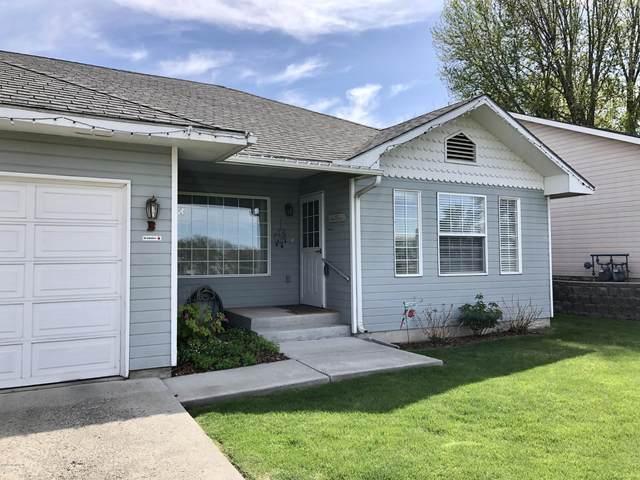 2302 W W Viola Ave #B, Yakima, WA 98902 (MLS #20-834) :: Amy Maib - Yakima's Rescue Realtor