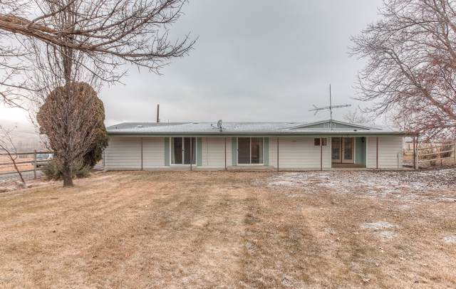 250 Hoff Rd, Moxee, WA 98936 (MLS #20-95) :: Heritage Moultray Real Estate Services