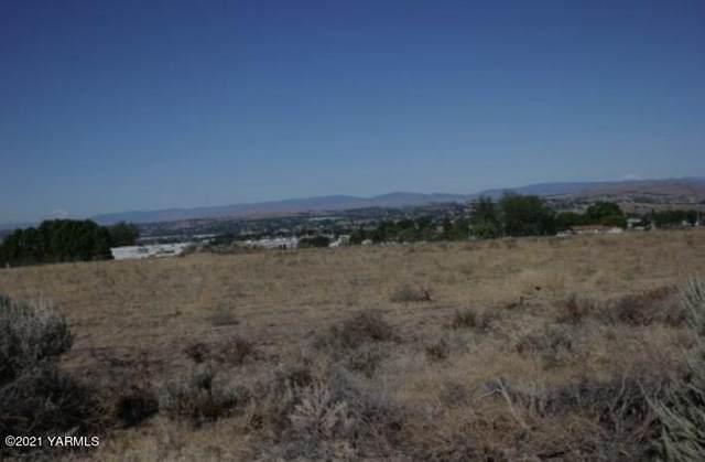 NKA I-82, Yakima, WA 98901 (MLS #21-1003) :: Candy Lea Stump | Keller Williams Yakima Valley