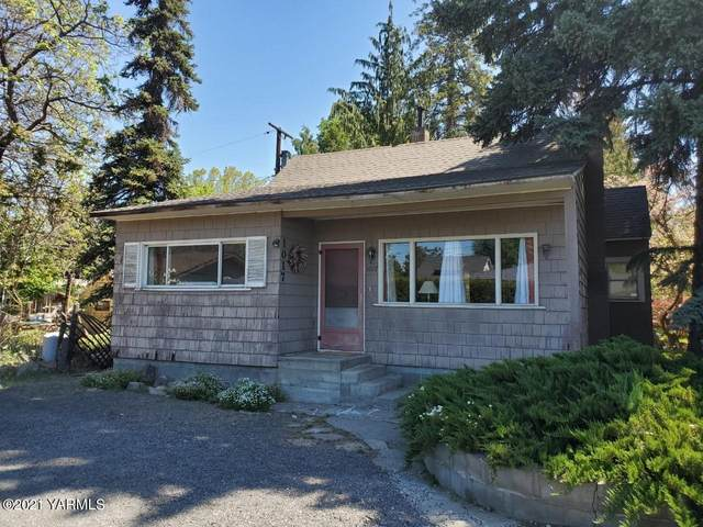 1017 W Viola Ave, Yakima, WA 98902 (MLS #21-1020) :: Heritage Moultray Real Estate Services