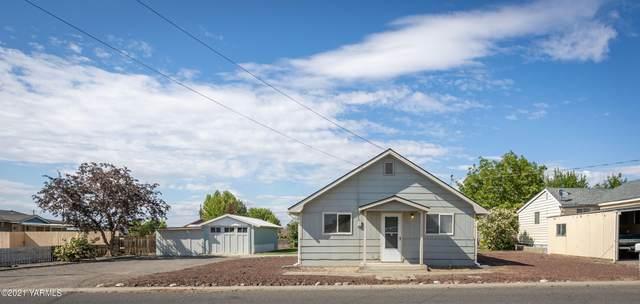 911 N 4th St, Grandview, WA 98930 (MLS #21-1046) :: Candy Lea Stump | Keller Williams Yakima Valley