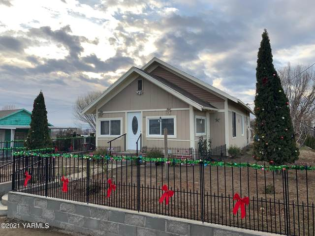 1007 Thornton Rd, Sunnyside, WA 98944 (MLS #21-113) :: Amy Maib - Yakima's Rescue Realtor