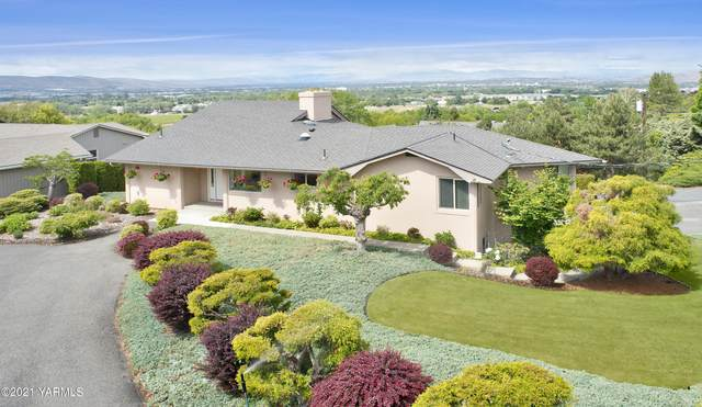 616 Country Club Dr, Yakima, WA 98901 (MLS #21-1216) :: Heritage Moultray Real Estate Services