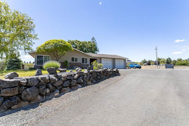 10605 Summitview Ext Rd, Yakima, WA 98908 (MLS #21-1242) :: Candy Lea Stump | Keller Williams Yakima Valley