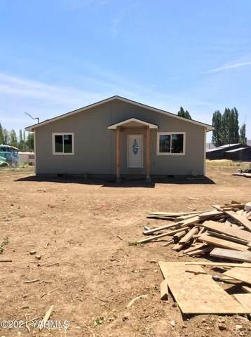 70 Trepainer Ln, Tieton, WA 98947 (MLS #21-1291) :: Amy Maib - Yakima's Rescue Realtor