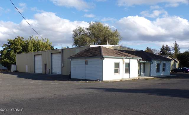 1109 S 22nd Ave, Yakima, WA 98902 (MLS #21-132) :: Heritage Moultray Real Estate Services