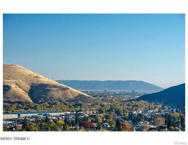 801 Selah Vista Way #6, Selah, WA 98942 (MLS #21-1335) :: Nick McLean Real Estate Group