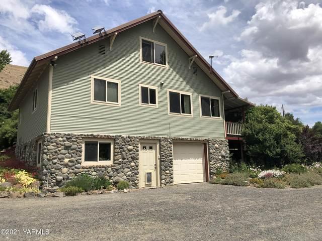 14404 N Wenas Rd, Selah, WA 98942 (MLS #21-1353) :: Nick McLean Real Estate Group