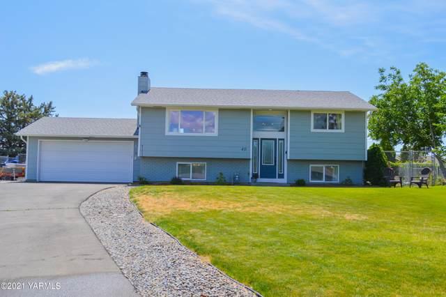 40 Terry Pl, Selah, WA 98942 (MLS #21-1356) :: Nick McLean Real Estate Group