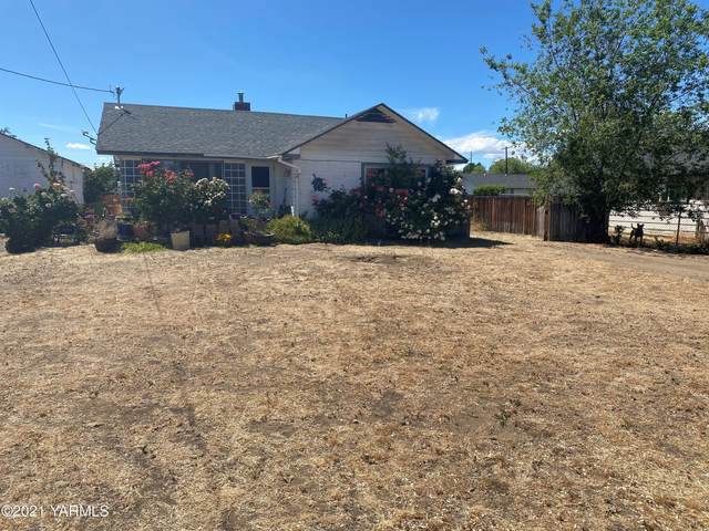 1516 Cornell Ave, Yakima, WA 98902 (MLS #21-1363) :: Nick McLean Real Estate Group