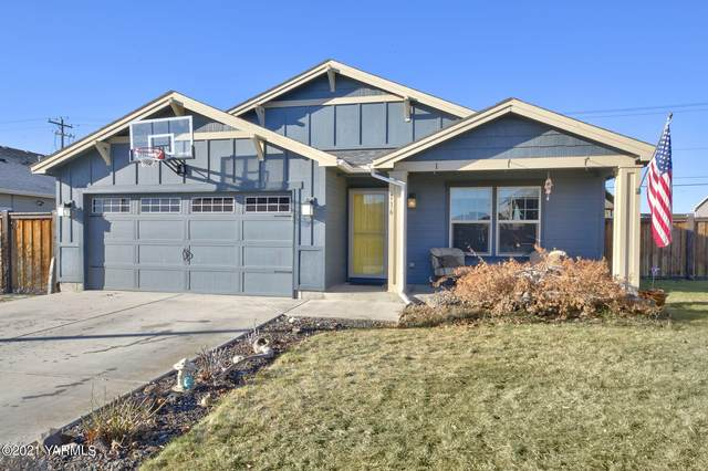 116 S Zeus St, Moxee, WA 98936 (MLS #21-137) :: Candy Lea Stump | Keller Williams Yakima Valley