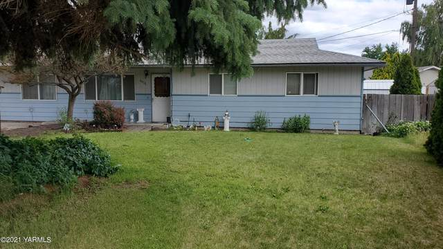 6806 Clinton Way, Yakima, WA 98908 (MLS #21-1374) :: Candy Lea Stump | Keller Williams Yakima Valley